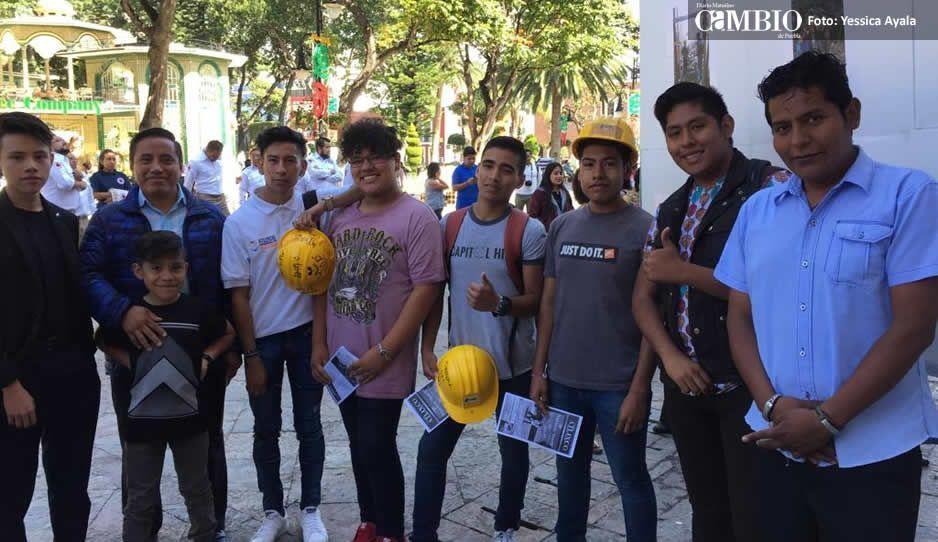 Atlixco reconoce a jóvenes de La Máquina  del mal por ayuda prestada en terremoto