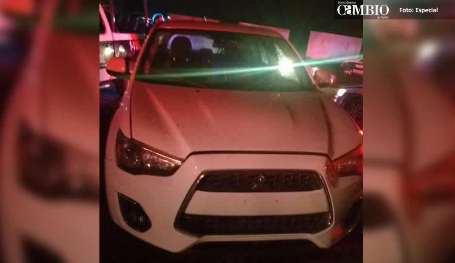 Aseguran a mujer que conducía una camioneta robada en Texmelucan