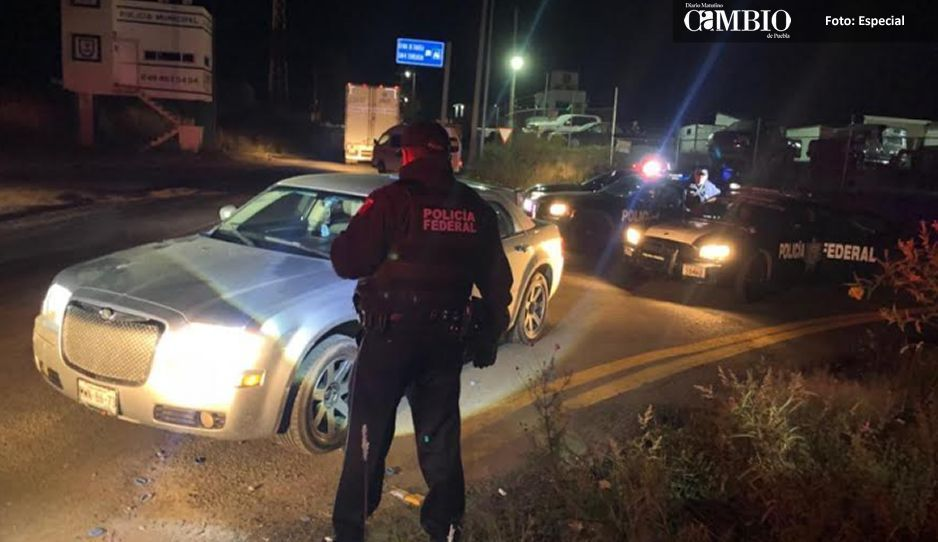 Federales aseguran unidad utilizada en falso retén en Texmelucan