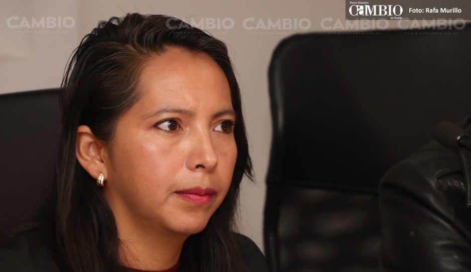 Celene Aguas denuncia que tras casi 3 años no ha sido restaurada a su cargo en Juan C. Bonilla