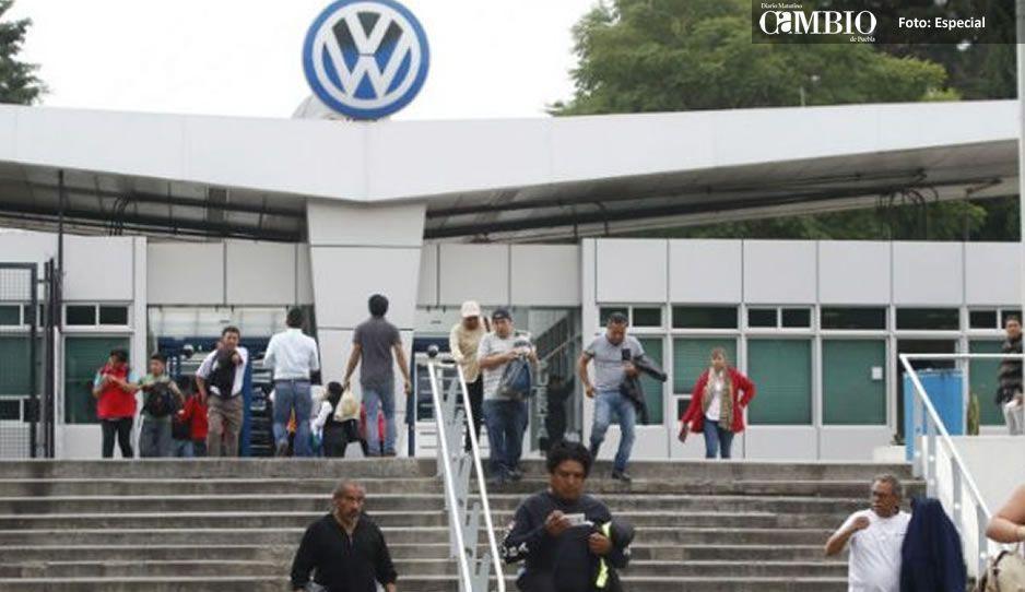 Evacuan a personal de la Volkswagen por presunta fuga en nave industrial