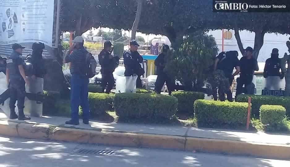 Con Policía Estatal blindan asamblea para elección de líder tianguista en Texmelucan