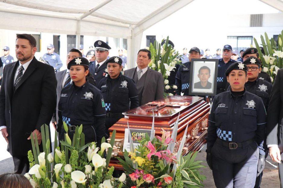 SSP rinde homenaje a policía ejecutado cuando vigilaba tren de carga en Chalchicomula