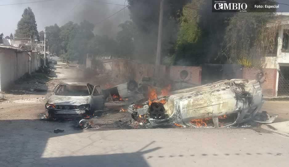 Policías de Texmelucan detienen a asaltantes en Tlaxcala; pobladores queman vehículos