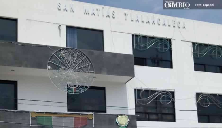 Ex alcalde de Tlalancaleca deja deudas con Conagua y la CFE, hasta patrullas sin gasolina