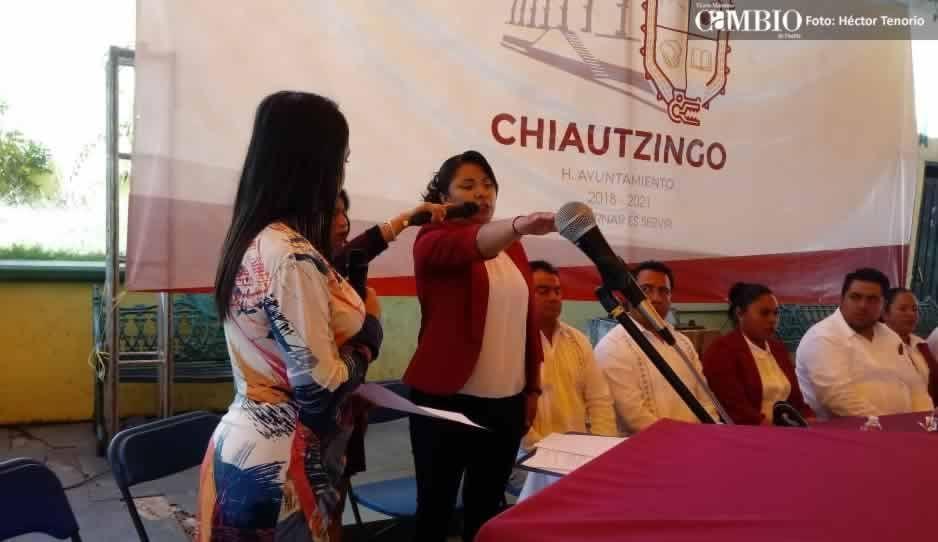 Rinde protesta la presidenta electa de Chiautzingo pero aún no se inicia el proceso de entrega-recepción
