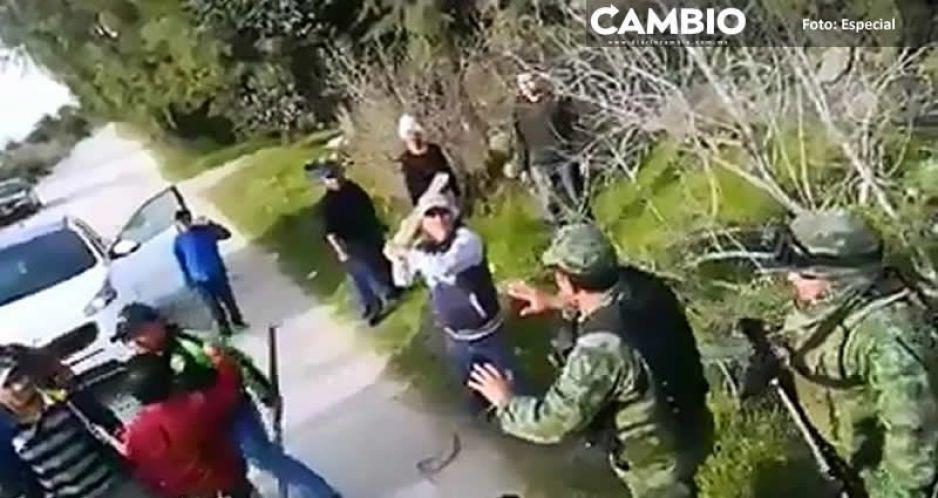 Huachigaseros atacan con piedras, palos y tubos a Ejército en Tepeaca