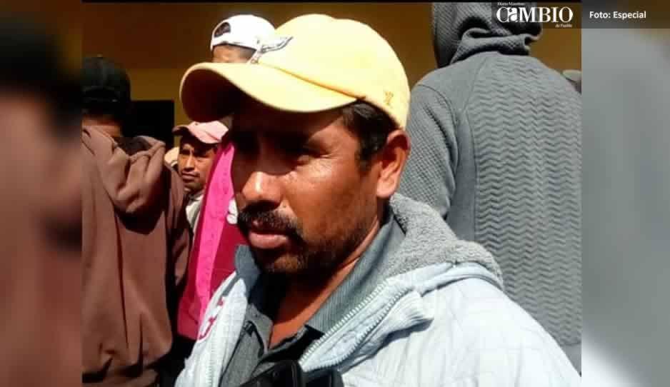 Policías retenidos en Chiautzingo amenazan a regidor de junta auxiliar