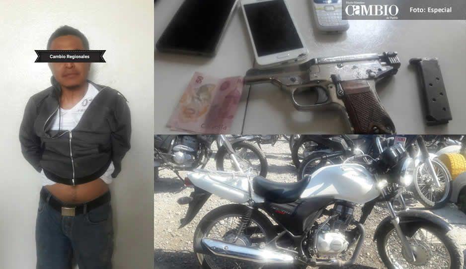 Detienen a sujeto que asaltó tienda abarrotera en Texmelucan