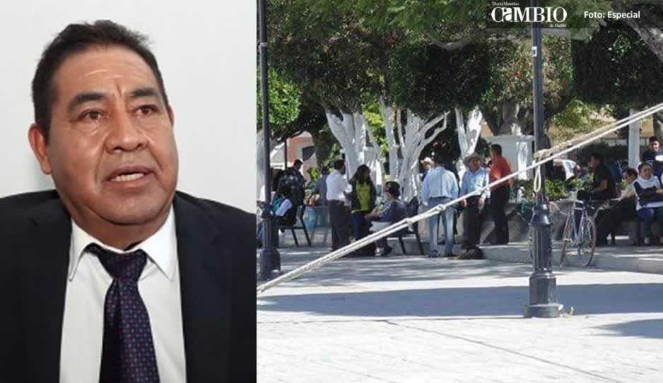 Alcalde de Amozoc resultó ser un hampón, con pistola en mano amaga a regidores en Cabildo