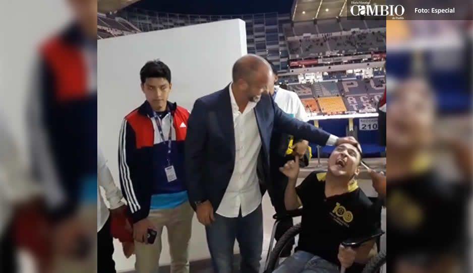 VIDEO: El bonito gesto de Luis García conviviendo con un aficionado americanista
