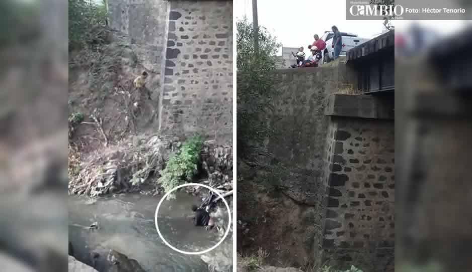 Sujeto cae al río Atoyac y es rescatado por paramédicos de Cruz Roja de Texmelucan