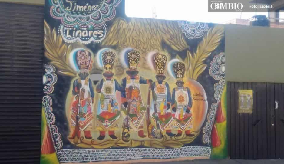 Jóvenes realizan murales para conmemorar 150 años de carnaval en Huejotzingo