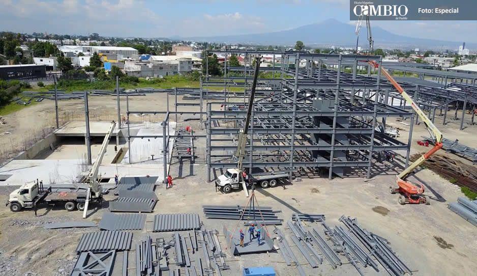 Clausuran obra de Explanada Puebla por falta de permisos