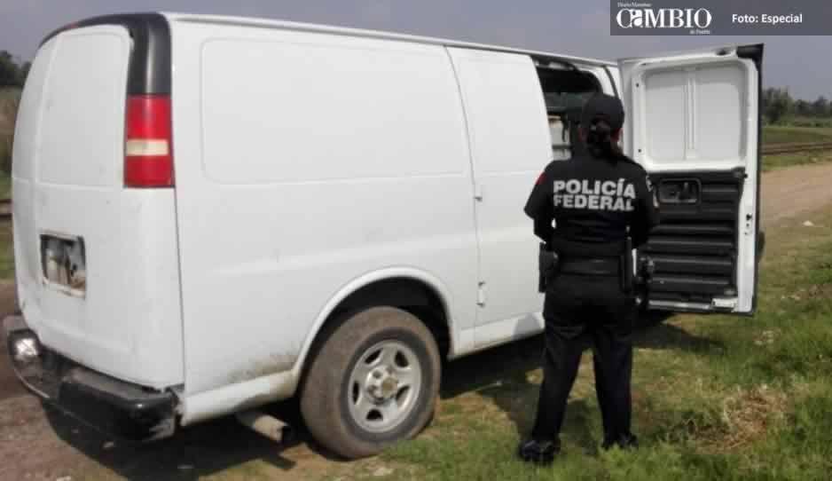 Policía Federal asegura camioneta con combustible en Huejotzingo
