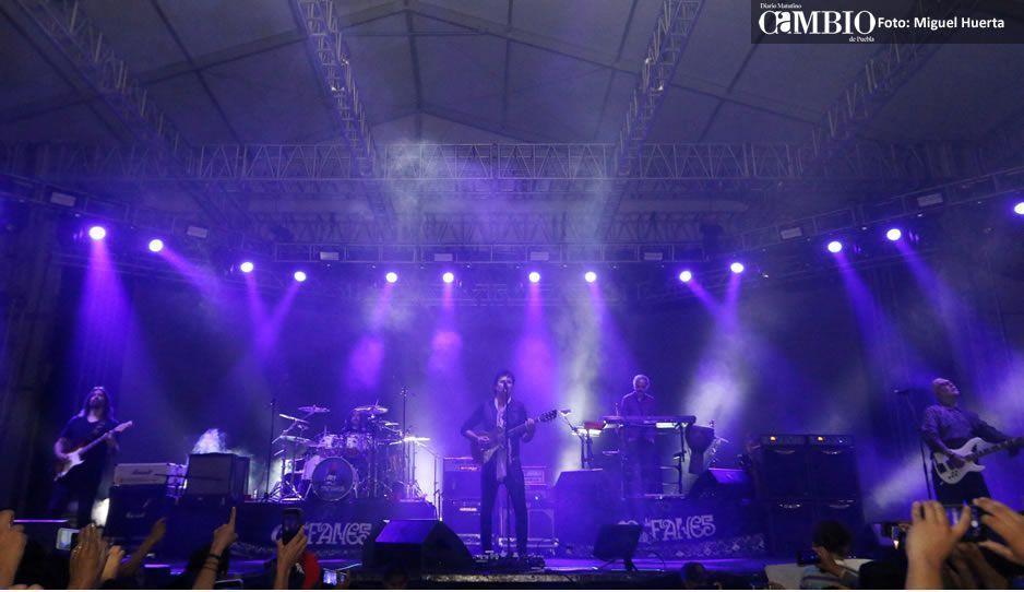 (VIDEO) Policías usaron electrochoques vs asistentes a concierto de Caifanes en Puebla