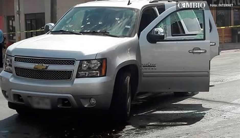 Hallan pareja ejecutada al interior de un vehículo en Puebla