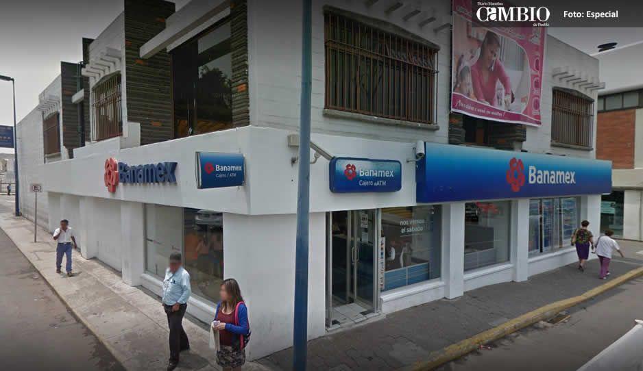 Asaltan a hombre saliendo del banco; le quitan 50 mil pesos