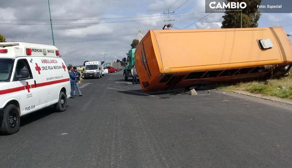 Volcadura de camión deja más de quince lesionados sobre la México-Puebla (VIDEO)