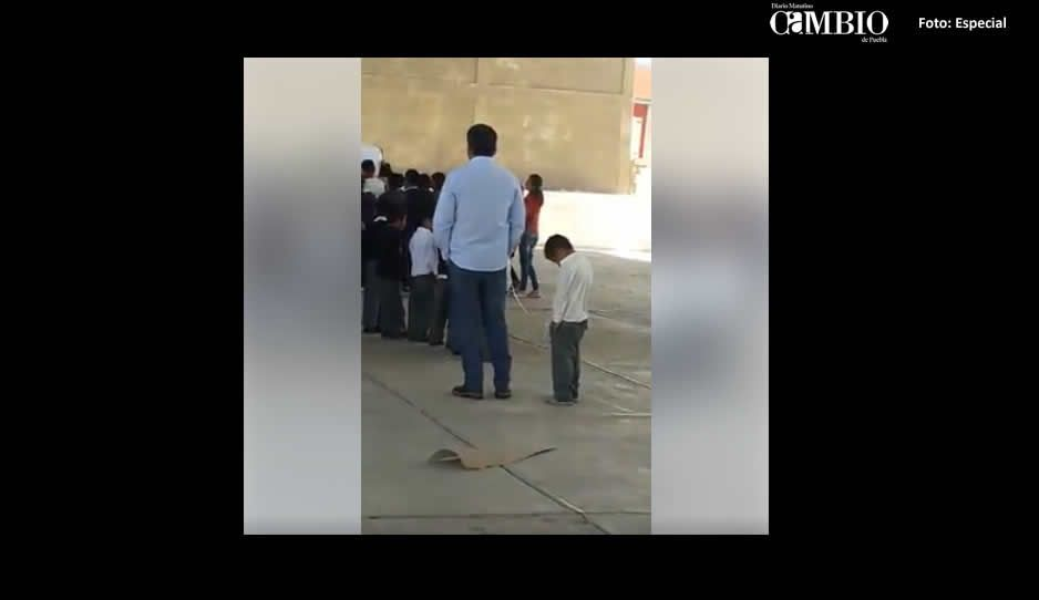 Profesor ata, exhibe y humilla a un alumno en Felipe Ángeles