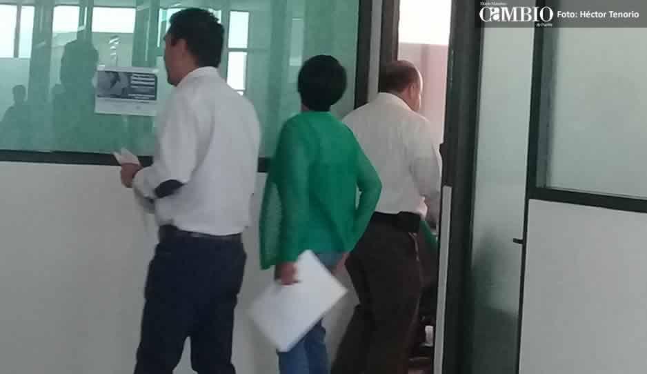 Notifican a regidores del Ayto de Texmelucan sobre su amparo colectivo; tendrán que pagar fianza