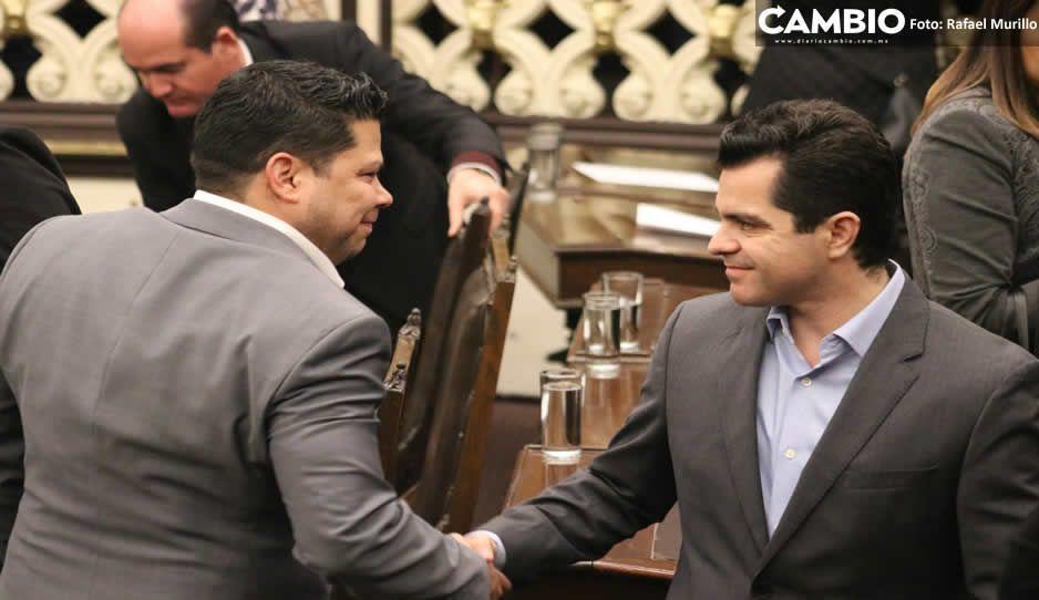 Morena y PAN discrepan en el Congreso por fecha del nombramiento del interino