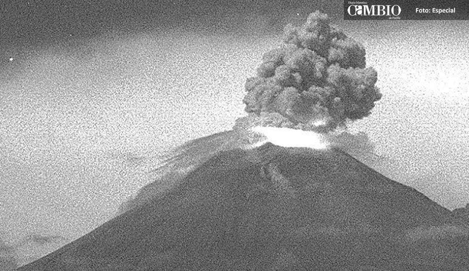 Popocatépetl registró fuerte explosión