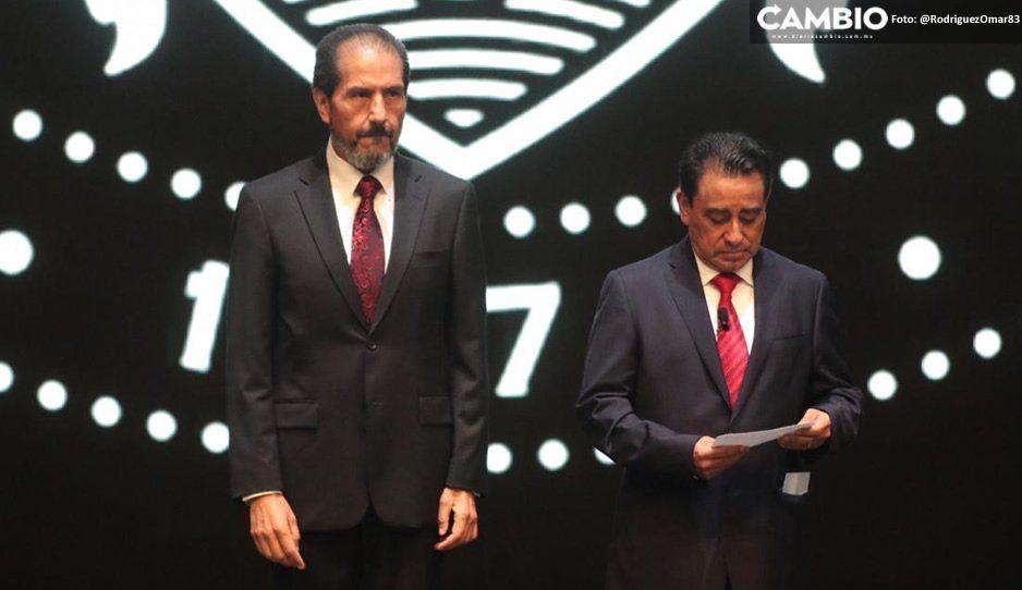 Abandonan a Esparza en su informe: ni representante del gobierno estatal ni diputados locales hubo