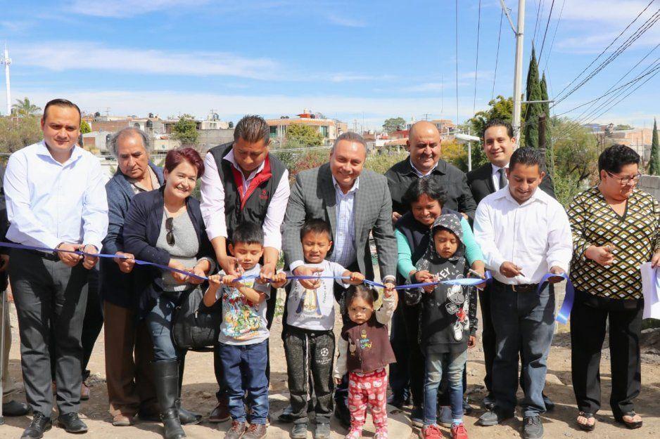 Guillermo Velázquez inaugura drenaje en Santa Cecilia Axocopan, Atlixco