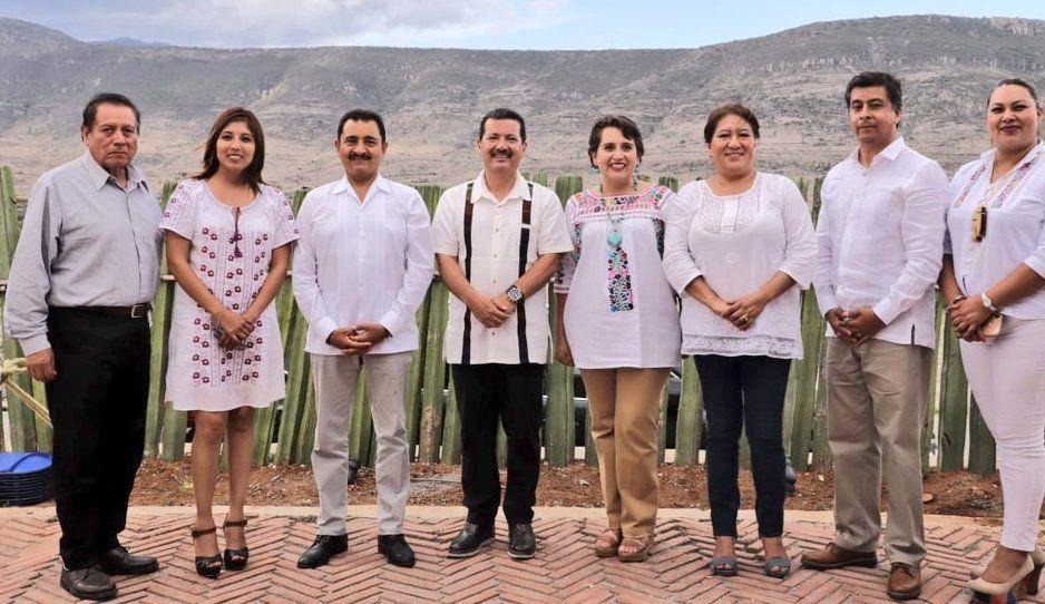 Arriaga sigue turisteando mientras San Pedro sufre ola de violencia: tras visita a la Guelaguetza ahora se va a Cuba