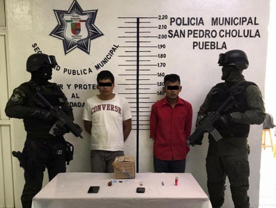 Detecta grupo táctico de San Pedro Cholula auto robado; hay 2 detenidos