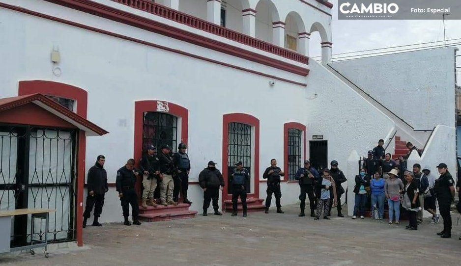 Continúa conflicto social en Juan C Bonilla;  vecinos de Zacatepec intentan tomar alcaldía