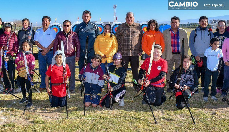 Celebran torneo estatal de tiro con arco en Unidad Deportiva San Juan Cuautlancingo