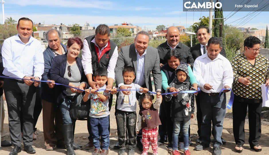Memo Velázquez inaugura drenaje  en Santa Cecilia Axocopan, Atlixco
