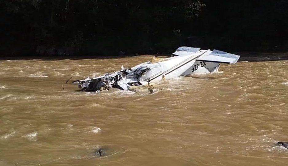 Se desploma aeronave en Michoacan; hay al menos 5 muertos
