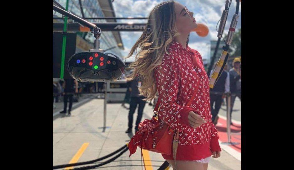 Belinda presume su outfit Licenciado Valeriano y se vuelve viral