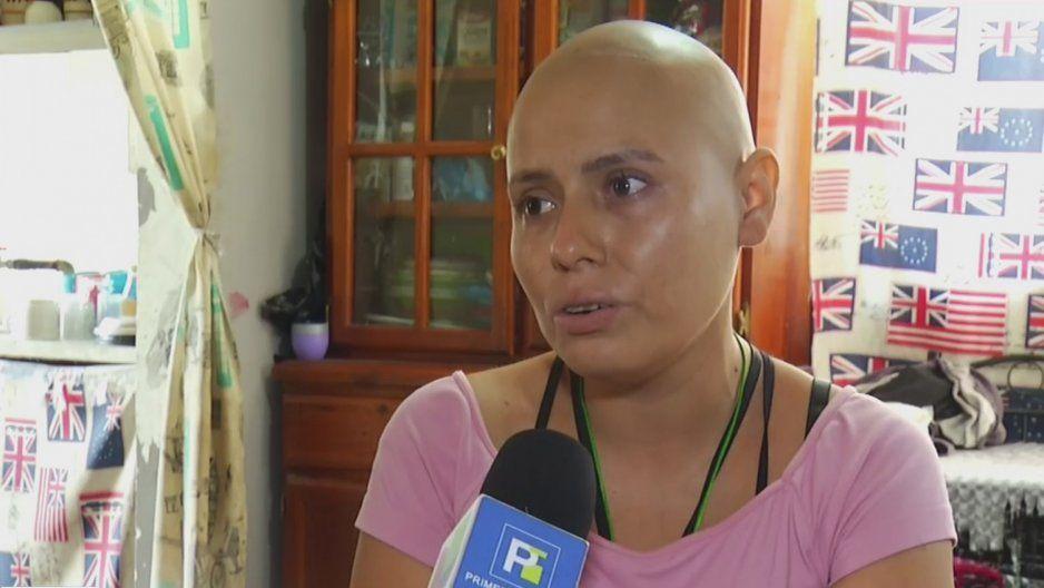 Madre soltera con cáncer pide dinero en la calle para poder darle de comer a sus hijos