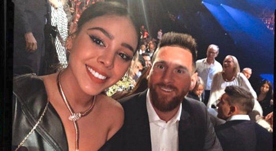Danna Paola presume foto con el D10s del fútbol Leo Messi