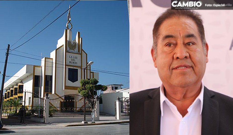 Edil de Amozoc reza: la Iglesia de Luz del Mundo puede perder el registro