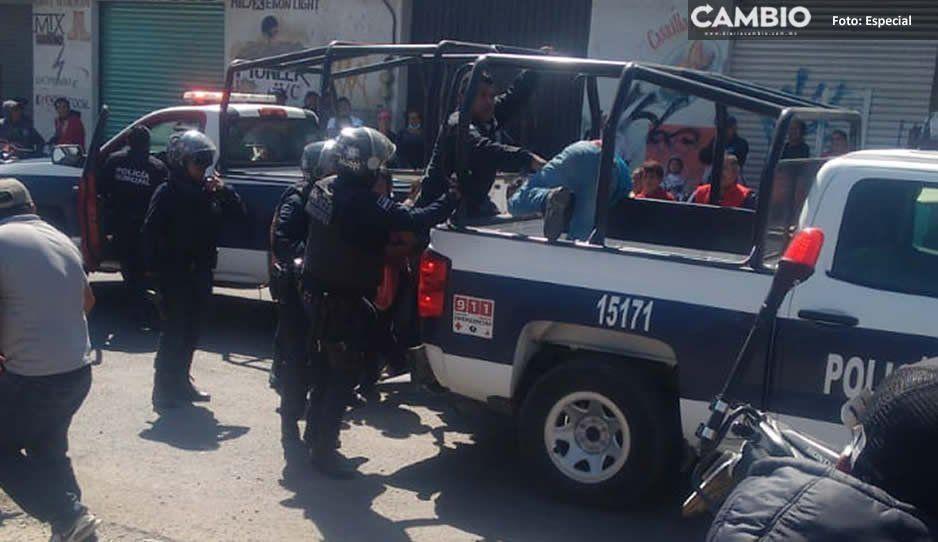 Policías detienen a sujeto que viajaba en unidad robada