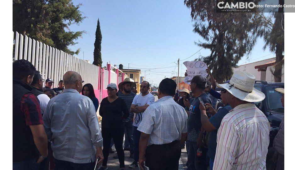 Habitantes de Cañada Morelos niegan el acceso al presidente interino, David Cid Huerta