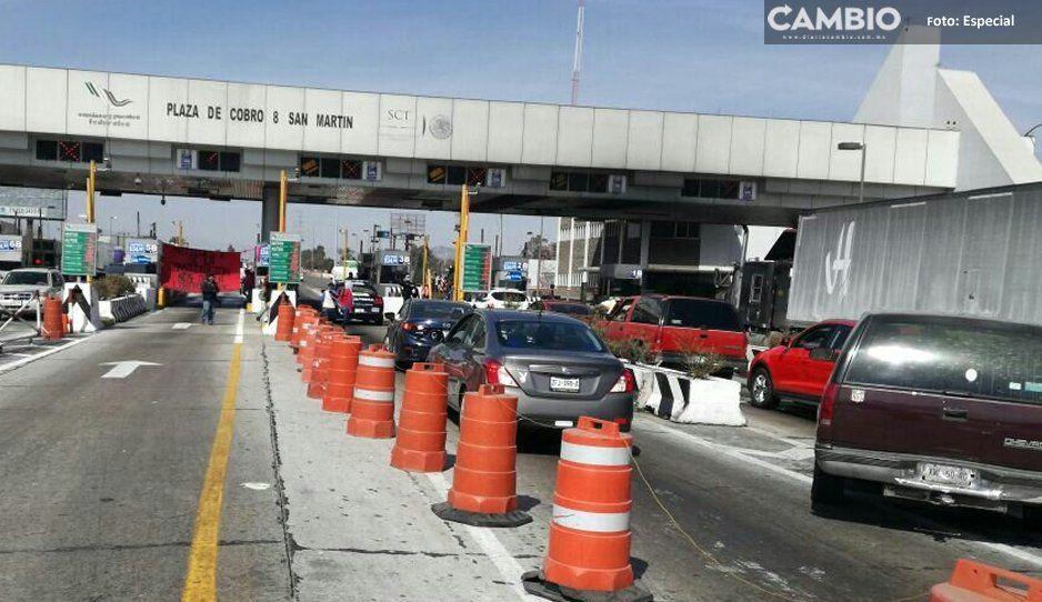 ¡Cuidado con el tráfico! Normalistas de Panotla toma las casetas de la México-Puebla, altura San Martín
