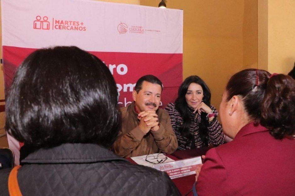 """En el """"Martes más cercanos"""" se escucha y atiende de manera directa a la sociedad de San Pedro Cholula: Luis Alberto Arriaga"""