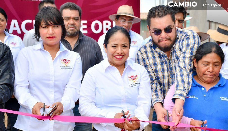 Entrega Lupita Daniel obra pública en  las juntas auxiliares de Cuautlancingo