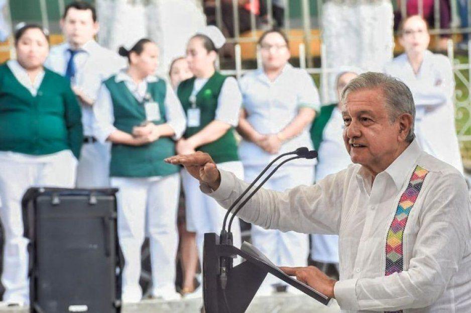 Pese a desabasto de medicinas, AMLO promete que México tendrá un sistema de salud como el de Noruega