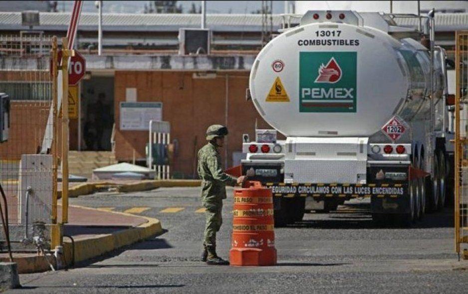 """Quedan impunes los empleados de Pemex acusados de """"huachicolear"""""""
