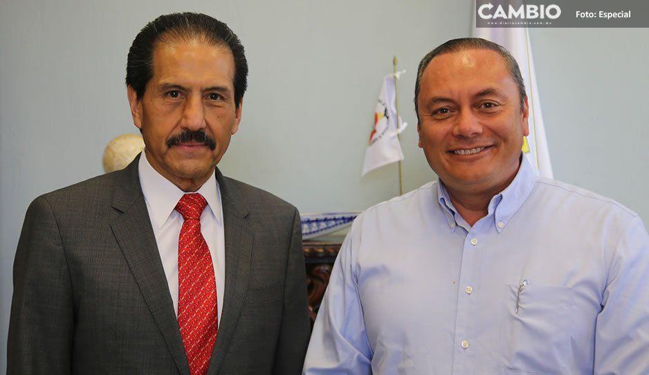 Edil de Atlixco y Alfonso Esparza acuerdan trabajar en beneficio de la educación
