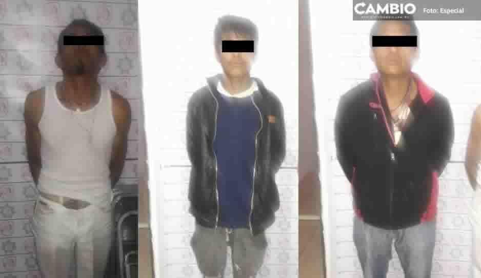Detienen a tres presuntos narcomenudistas en Ocoyucan