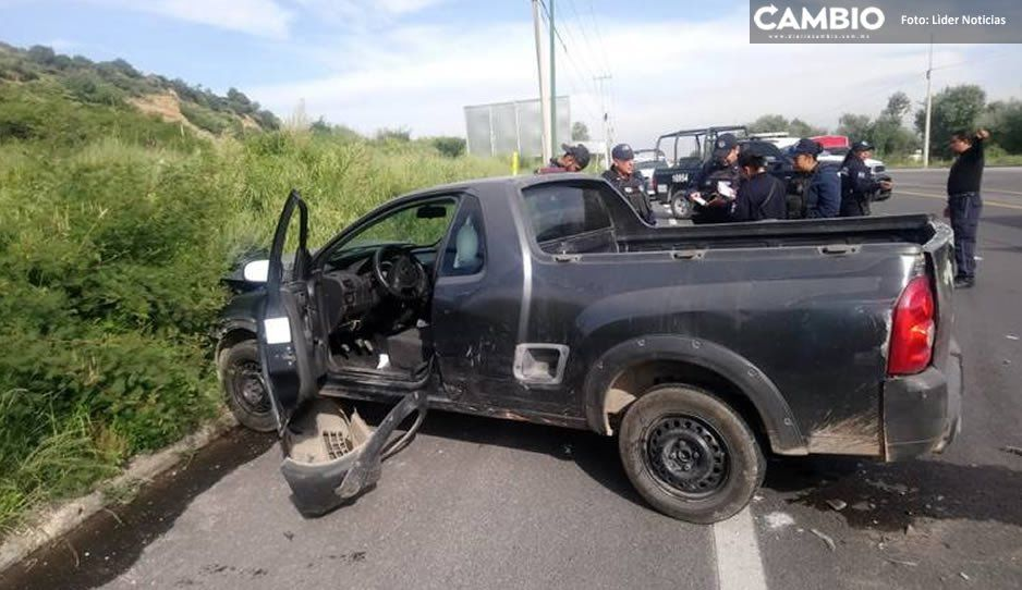 No lo pensó dos veces: Trailero se impacta contra camioneta para evitar atraco en la Puebla- Orizaba