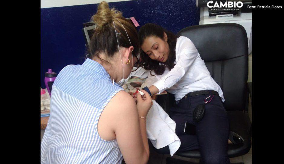 Suspenden a Yadira López, jueza exhibida pintándose las uñas en Tehuacán